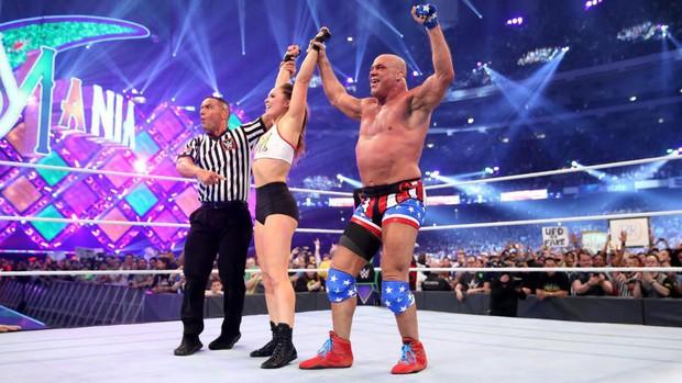 """""""Quái nữ"""" UFC Ronda Rousey  ra mắt thành công ở đấu trường WWE - Ảnh 22."""