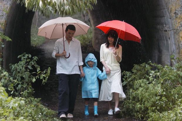Xem 2 phim siêu hot chị Đẹp Son Ye Jin đang đóng, để ý thấy chiếc ô màu đỏ chính là bùa may mắn của chị rồi - Ảnh 4.