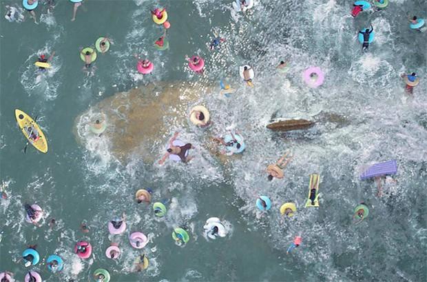 Hết đua xe, người vận chuyển Jason Statham chơi trò cút bắt với siêu cá mập trong The Meg - Ảnh 4.