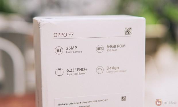 Mở hộp OPPO F7 màu bạc lấp lánh: Selfie bằng AI cực đẹp, màn hình FullView kèm tai thỏ như iPhone X - Ảnh 4.