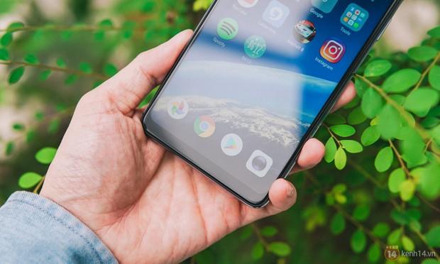 Mở hộp OPPO F7 màu bạc lấp lánh: Selfie bằng AI cực đẹp, màn hình FullView kèm tai thỏ như iPhone X - Ảnh 8.