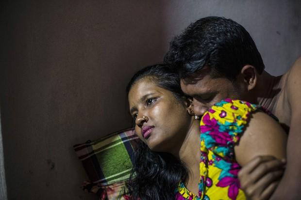 Những mảnh đời buồn tủi ở phố mại dâm 200 tuổi tại Bangladesh: Tảo hôn, tình dục vị thành niên và nhiều niềm hạnh phúc dở dang - Ảnh 4.