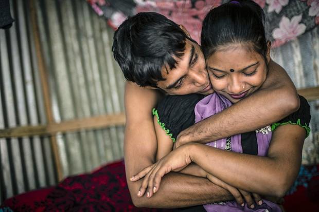 Những mảnh đời buồn tủi ở phố mại dâm 200 tuổi tại Bangladesh: Tảo hôn, tình dục vị thành niên và nhiều niềm hạnh phúc dở dang - Ảnh 10.