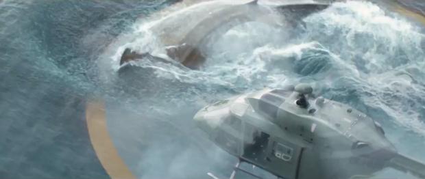 Hết đua xe, người vận chuyển Jason Statham chơi trò cút bắt với siêu cá mập trong The Meg - Ảnh 5.