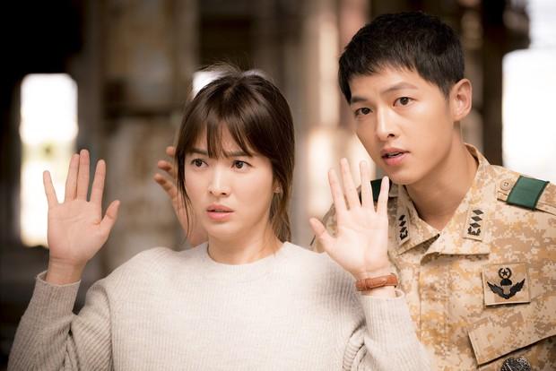 Đây mới là khác biệt lớn nhất giữa Son Ye Jin và Song Hye Kyo: Bên bà hoàng, bên thuốc độc! - Ảnh 6.
