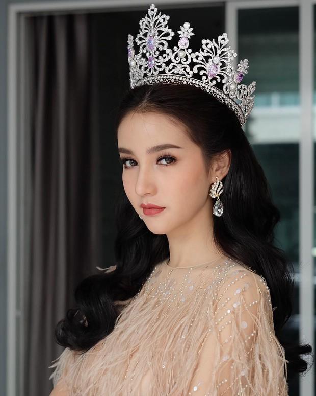 Xao xuyến trước loạt ảnh đẹp tựa thần tiên tỷ tỷ của HH chuyển giới Thái Lan Yoshi trong ngày khám nghĩa vụ - Ảnh 14.