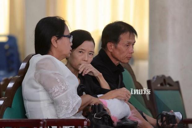 Tang lễ sao nhí một thời Thái Lan: Xót xa trước nụ cười của cô trong di ảnh, khoảnh khắc mẹ khóc nấc tiễn đưa - Ảnh 20.