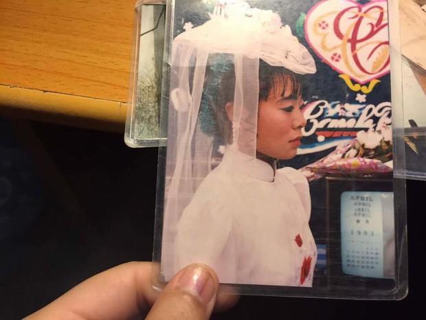 Chùm ảnh: Không cần VSCO Cam hay Photoshop, mẹ chúng mình vẫn xinh đẹp lung linh trong ảnh cưới ngày xưa - Ảnh 2.