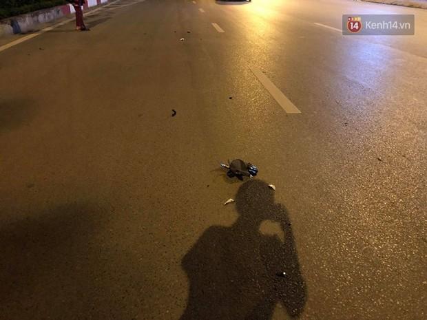 Hà Nội: Nhẫn tâm kéo lê nạn nhân hàng trăm mét trên đường sau va chạm, tài xế xe bán tải bị người dân đuổi đánh trong đêm - Ảnh 7.