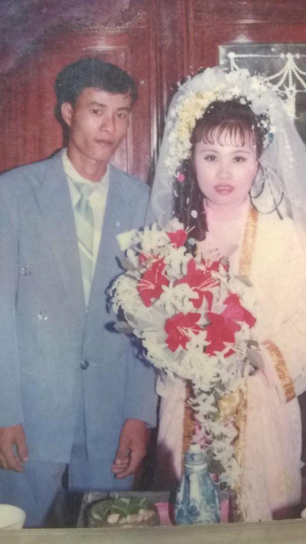Chùm ảnh: Không cần VSCO Cam hay Photoshop, mẹ chúng mình vẫn xinh đẹp lung linh trong ảnh cưới ngày xưa - Ảnh 5.