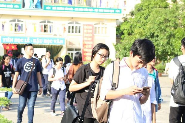Vụ nam sinh lớp 10 trường Nguyễn Khuyến tự tử: Đừng để con phải mệt mỏi khi cố gắng làm vừa lòng người lớn - Ảnh 4.