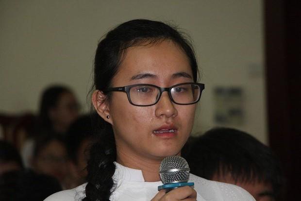Cảnh cáo và đình chỉ giảng dạy cô giáo không giảng bài hơn 3 tháng - Ảnh 1.