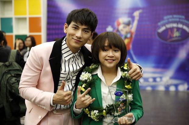 Chỉ sau 8 tháng đăng quang Vietnam Idol Kids, Thiên Khôi trổ mã phổng phao, ra dáng thiếu niên điển trai - Ảnh 1.