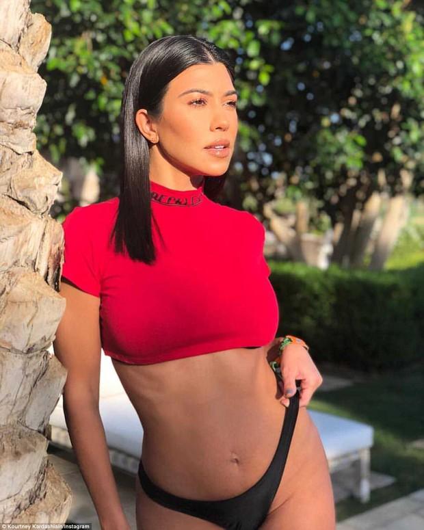 Giờ chỉ cần đến Coachella 2018, bạn sẽ gặp được dàn sao khủng và loạt hoa hậu, thiên thần nội y hot nhất! - Ảnh 3.