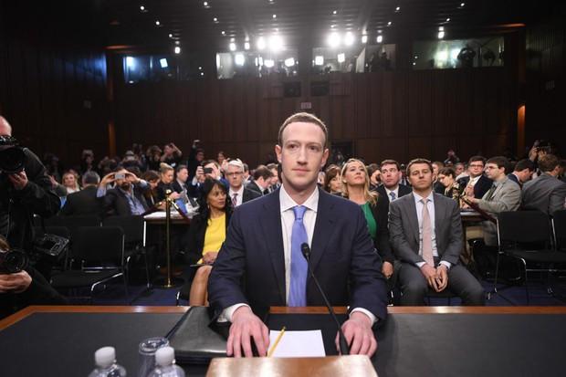 Bị soi đủ thứ, giờ đến cả quầng thâm mắt của Mark Zuckerberg cũng được dân tình tư vấn xem nên dưỡng như thế nào - Ảnh 1.