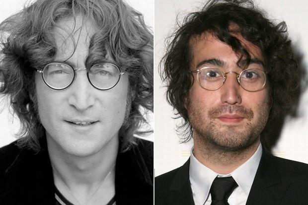Các ngôi sao và những người con giống nhau không thể lẫn được khi so ảnh ở cùng độ tuổi - Ảnh 21.