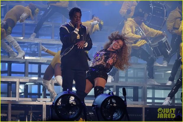 Siêu sân khấu của Beyoncé tại Coachella 2018: Destinys Child tái hợp, Jay-Z bất ngờ đổ bộ - Ảnh 10.