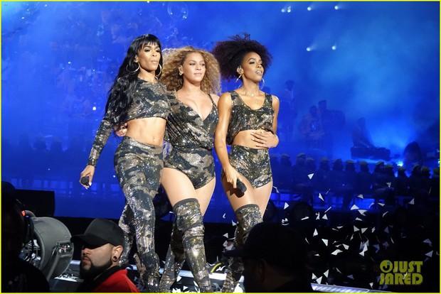 Siêu sân khấu của Beyoncé tại Coachella 2018: Destinys Child tái hợp, Jay-Z bất ngờ đổ bộ - Ảnh 7.