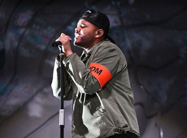 The Weeknd có thực sự khóc khi biểu diễn hit về Selena Gomez tại Coachella? - Ảnh 1.