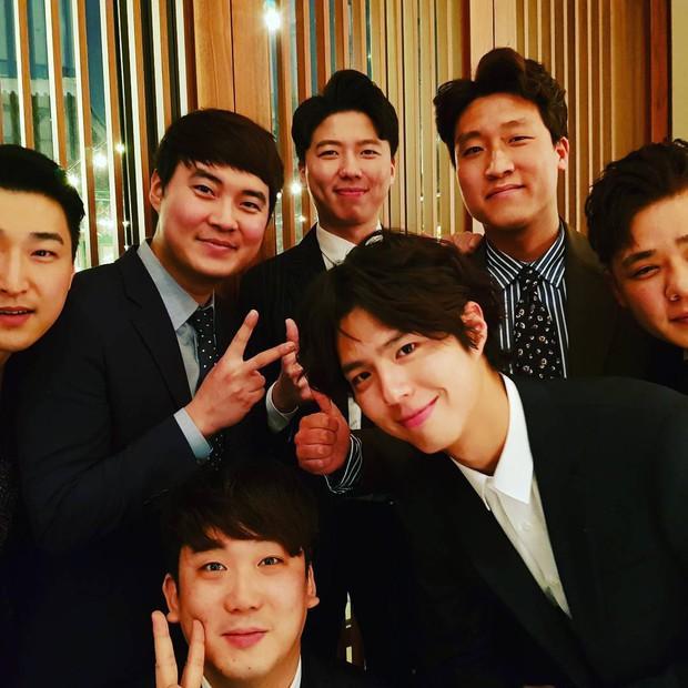 Đám cưới khủng mời toàn sao hạng A: Kim Bum lộ diện sau tin hẹn hò, Park Bo Gum bổ luống bên dàn tài tử - Ảnh 10.