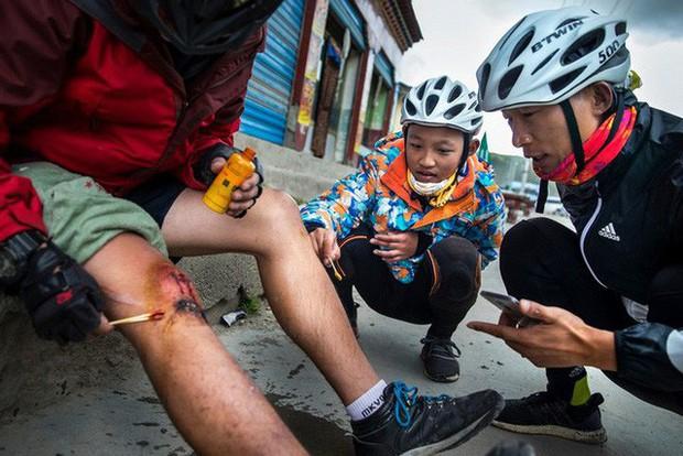Ông bố của năm, quyết rủ cậu con trai cùng đạp xe hơn 2000km để thử thách lòng kiên trì - Ảnh 16.
