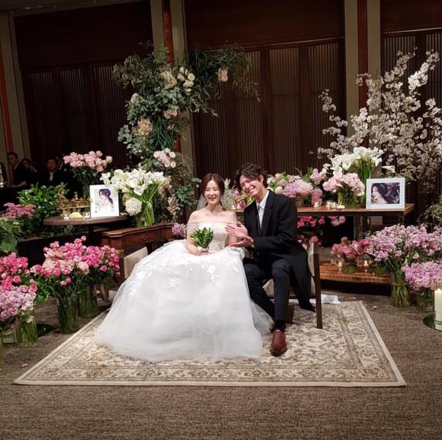 Đám cưới khủng mời toàn sao hạng A: Kim Bum lộ diện sau tin hẹn hò, Park Bo Gum bổ luống bên dàn tài tử - Ảnh 5.