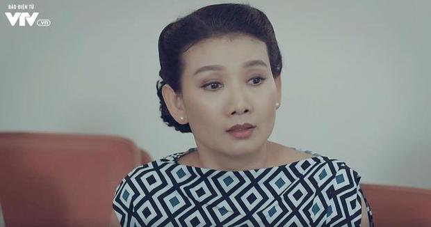 NSƯT Mỹ Uyên: Nữ diễn viên đa diện cùng tình yêu bất chấp với sân khấu kịch - Ảnh 2.