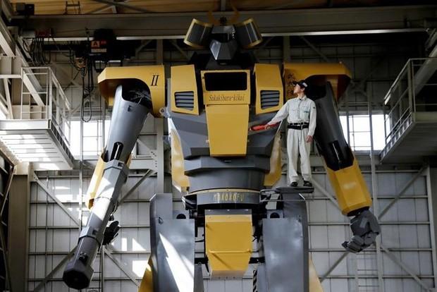 Kỹ sư người Nhật biến giấc mơ robot khổng lồ thành hiện thực - Ảnh 1.