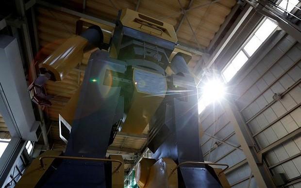 Kỹ sư người Nhật biến giấc mơ robot khổng lồ thành hiện thực - Ảnh 2.