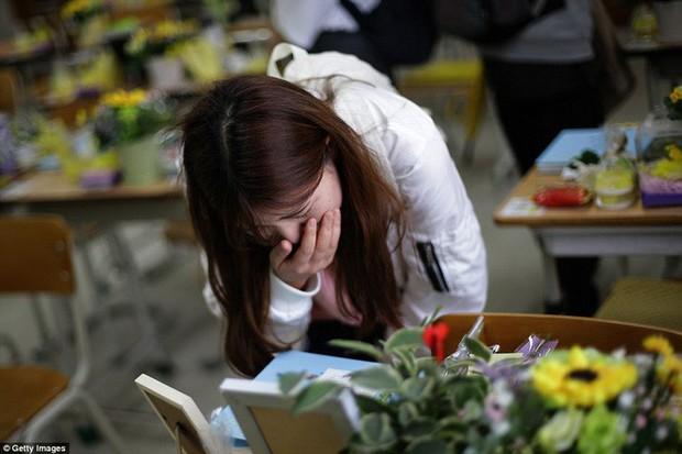 Những hình ảnh trong vụ chìm phà Sewol khiến hơn 300 người thiệt mạng vẫn khiến mọi người ám ảnh - Ảnh 28.