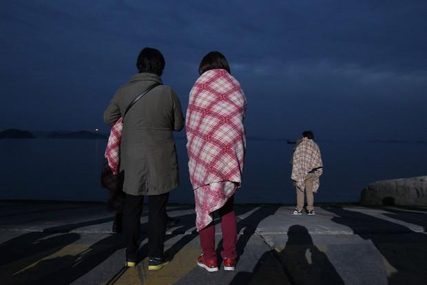 Những hình ảnh trong vụ chìm phà Sewol khiến hơn 300 người thiệt mạng vẫn khiến mọi người ám ảnh - Ảnh 19.