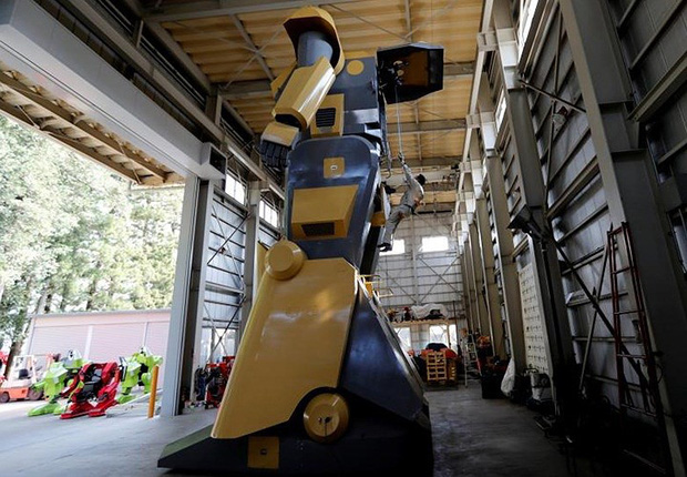 Kỹ sư người Nhật biến giấc mơ robot khổng lồ thành hiện thực - Ảnh 3.