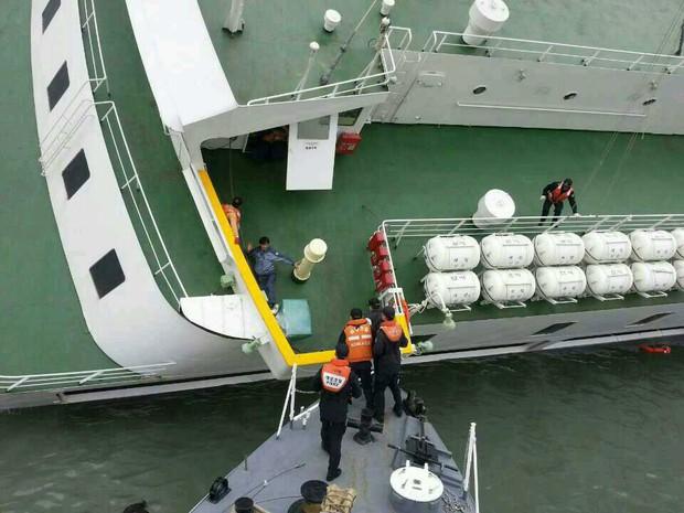 Những hình ảnh trong vụ chìm phà Sewol khiến hơn 300 người thiệt mạng vẫn khiến mọi người ám ảnh - Ảnh 10.