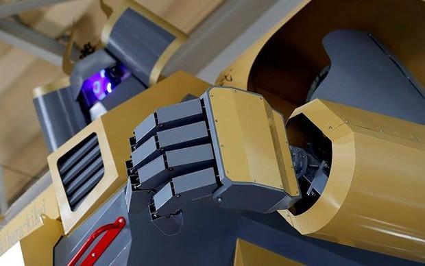 Kỹ sư người Nhật biến giấc mơ robot khổng lồ thành hiện thực - Ảnh 10.