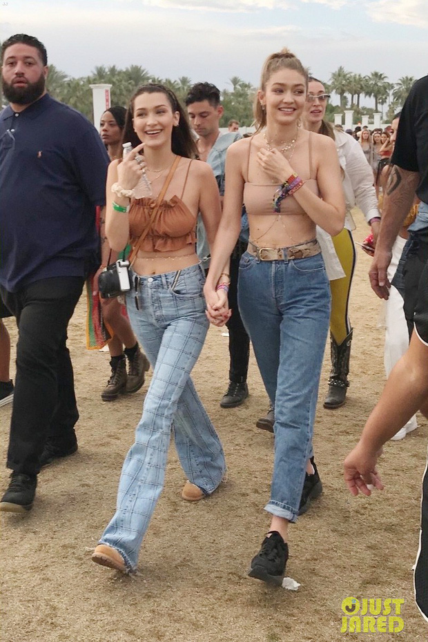 Cả chị lẫn em vừa đẹp vừa sexy, Gigi và Bella Hadid làm trái tim mọi chàng trai loạn nhịp tại Coachella - Ảnh 3.