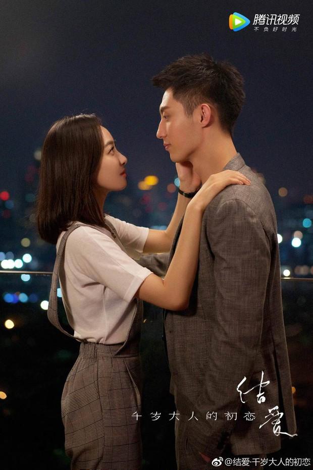 Mặc kệ fan chiến, Hoàng Cảnh Du và Victoria (fx) vẫn yêu nhau chết đi sống lại trong phim mới  - Ảnh 3.