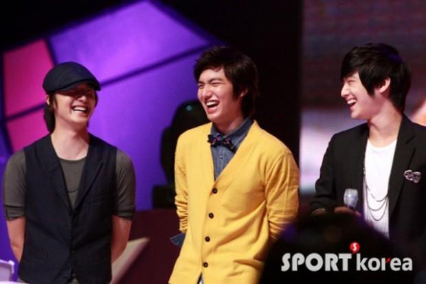 Những hội bạn thân toàn mỹ nam chân dài xứ Hàn: Khi dàn sao hạng A cực phẩm cùng tụ họp tại một chỗ - Ảnh 27.