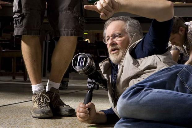Vừa trở thành ông chủ CLB 10 tỉ đô, đạo diễn Steven Spielberg xử đến phim siêu anh hùng DC - Ảnh 2.
