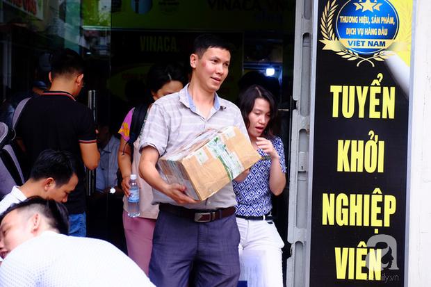 TP.HCM: Thanh tra đột kích, thu giữ sản phẩm chữa ung thư làm từ than tre của công ty Vinaca - Ảnh 9.