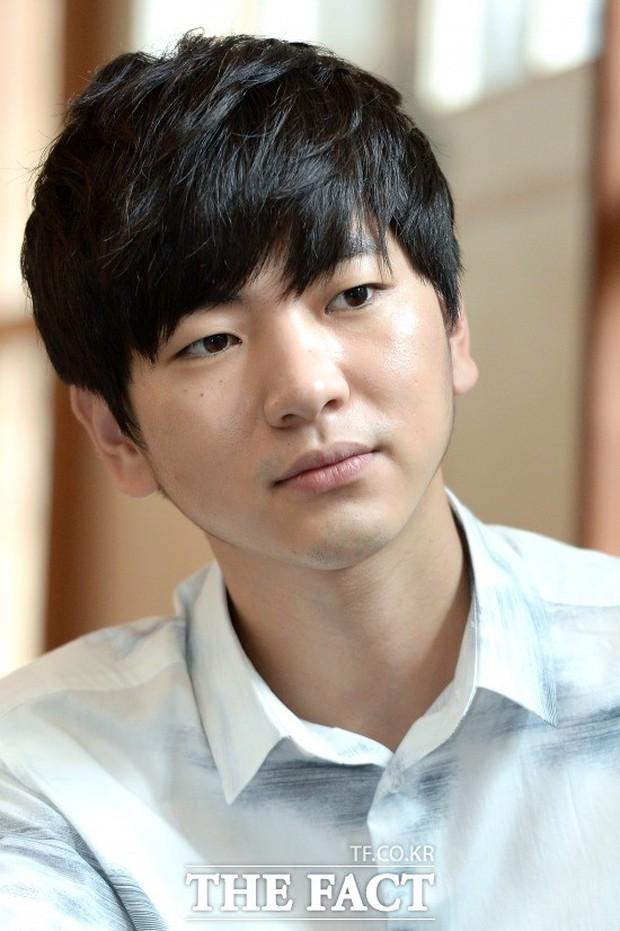 Cặp đôi đũa lệch mới gây xôn xao: Bản sao sexy của Seohyun (SNSD) xác nhận hẹn hò trai xấu phim Pinocchio - Ảnh 3.