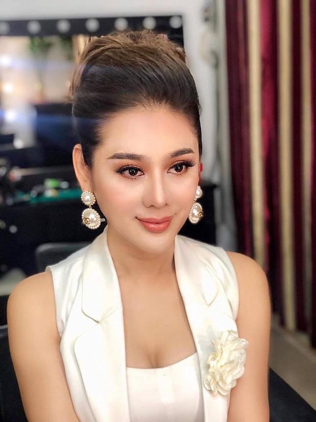 Từng là nữ hoàng chuyển giới, Lâm Khánh Chi lại để lộ nhan sắc xuống cấp rõ rệt khi livestream - Ảnh 2.