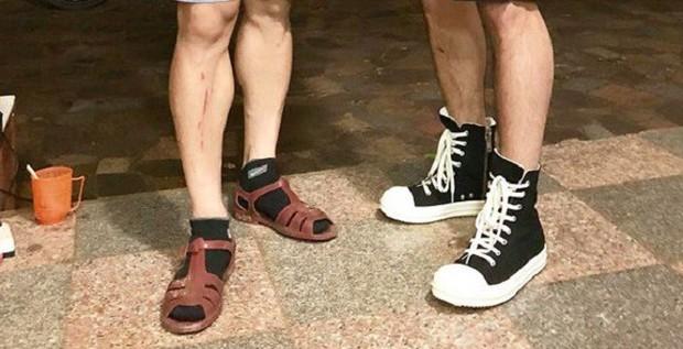 Lầy lội như Công Phượng: không có tiền mua sandal 11 triệu của Gucci thì cứ lấy luôn dép rọ quê hương mà đi - Ảnh 2.