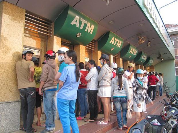Chủ thẻ Vietcombank mất 50 triệu đồng vì chuyển nhầm tài khoản - Ảnh 1.