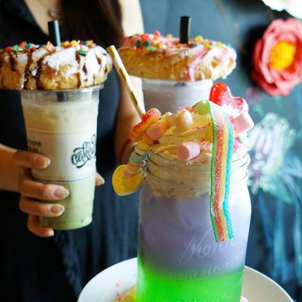 Sự sáng tạo của các món tráng miệng là vô hạn, cứ nhìn những loại đồ uống hóa kì lân này mà xem - Ảnh 1.