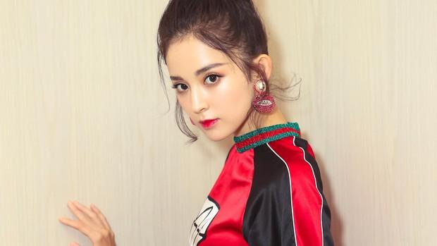 Sở hữu nhan sắc và thần thái hạng A showbiz, nhưng Taylor Swift - Dương Mịch - Min Hyo Rin đều có cùng một góc chết? - Ảnh 18.