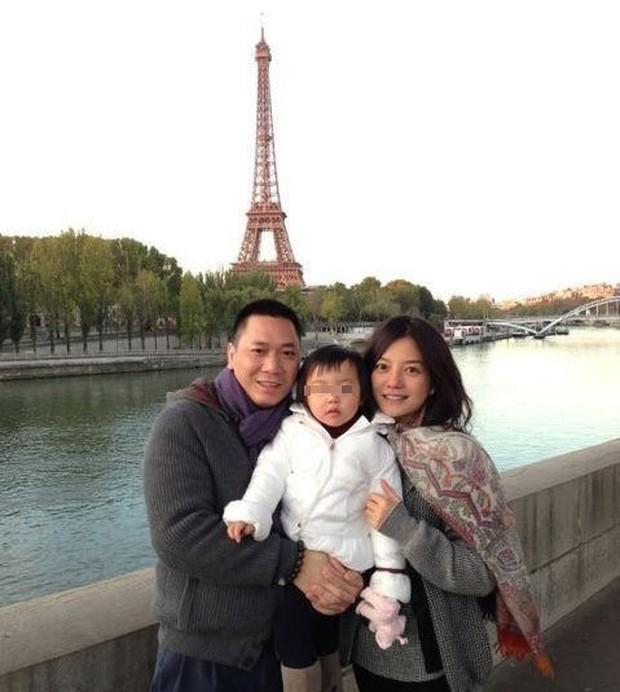 Hình ảnh chồng con hiếm hoi được Triệu Vy khoe khéo trên mạng xã hội - Ảnh 4.