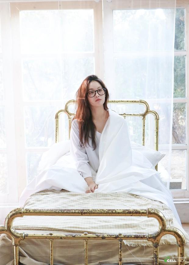 Bạn gái Kim Bum lần đầu lộ diện sau tin hẹn hò: Nhan sắc không đùa được đâu trong loạt ảnh hậu trường - Ảnh 10.