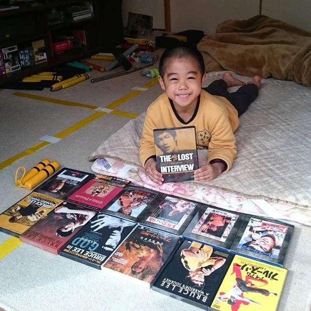 Mê phim võ thuật, cậu bé 8 tuổi mỗi ngày luyện tập để có thân hình tráng kiện, được mệnh danh là Lý Tiểu Tiểu Long - Ảnh 5.