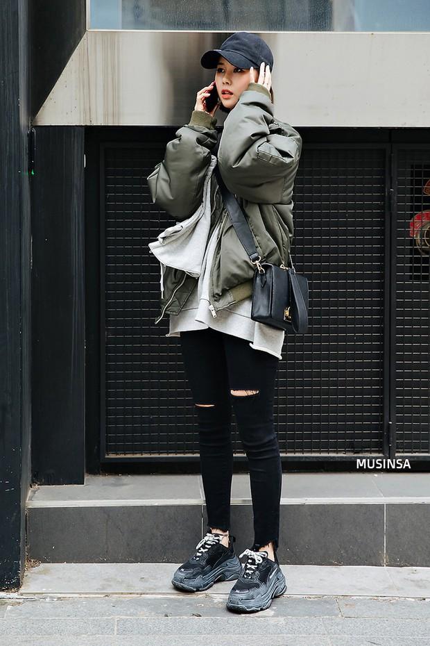 Giới trẻ Hàn thật siêu, chẳng cần diện đồ lồng lộn mà vẫn đẹp bá cháy - Ảnh 4.
