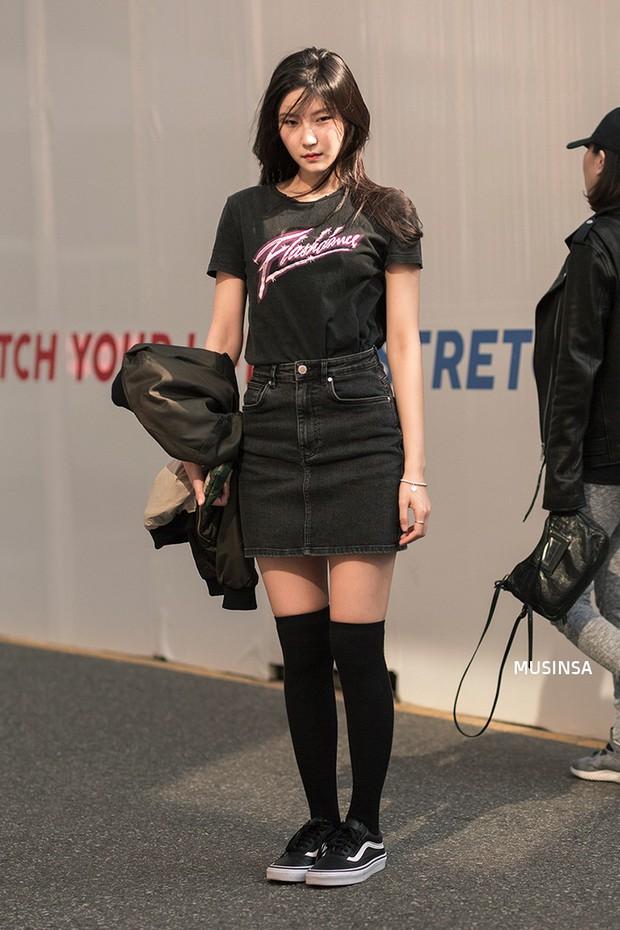 Giới trẻ Hàn thật siêu, chẳng cần diện đồ lồng lộn mà vẫn đẹp bá cháy - Ảnh 2.